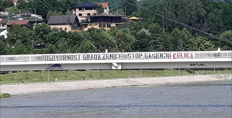 """""""Stop gašenju Čelika"""": Nova parola Robijaša osvanula na mostu u Zenici (FOTO)"""