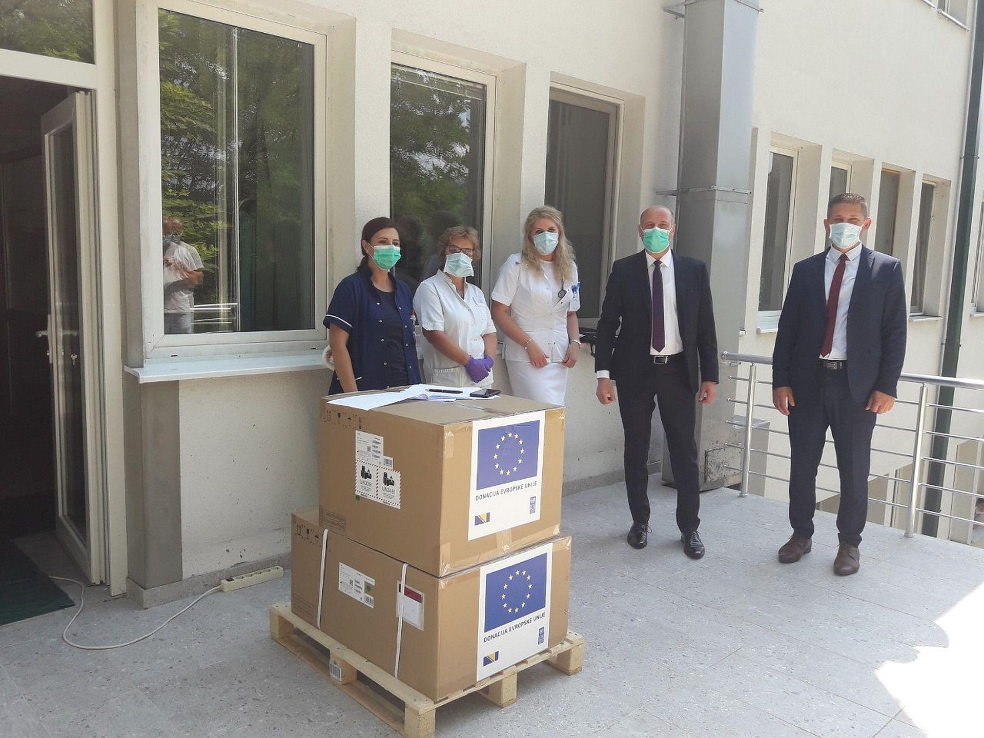 Općoj bolnici Tešanj uručen respirator koji je donirala Evropska unija