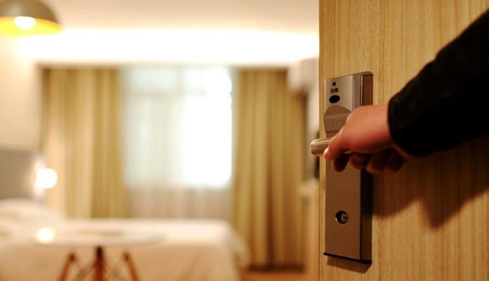 Pad prometa u FBiH u hotelijerstvu i ugostiteljstvu za 69,6 posto
