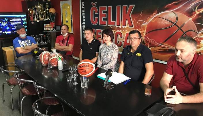 Primopredaja košarkaških lopti za sve učesnike Ljetne lige grada Zenice