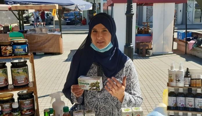 Porodica Konjić iz Zenice uzgaja biljku 40 puta slađu od šećera