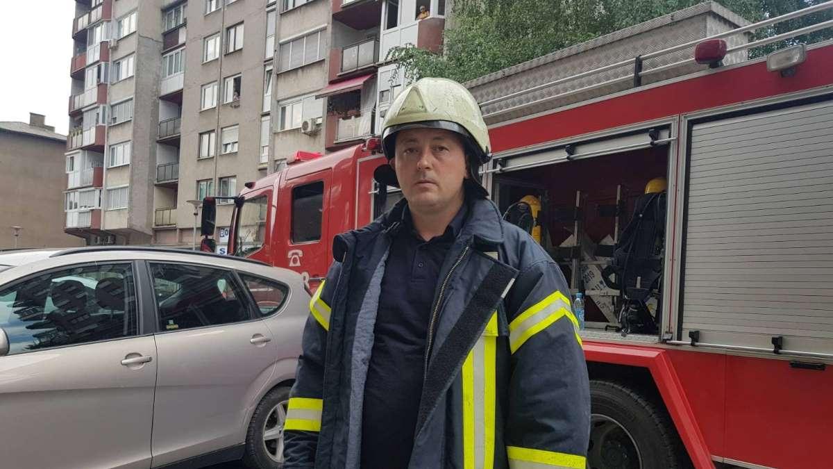 Poslušajte razgovor sa vatrogascem koji je spasio sugrađanina iz zapaljenog stana (AUDIO)