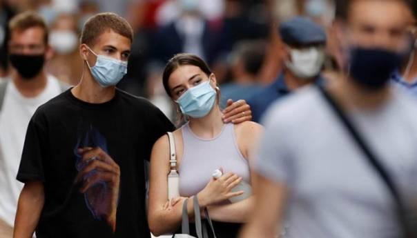 Teksas ukida maske i ograničenja