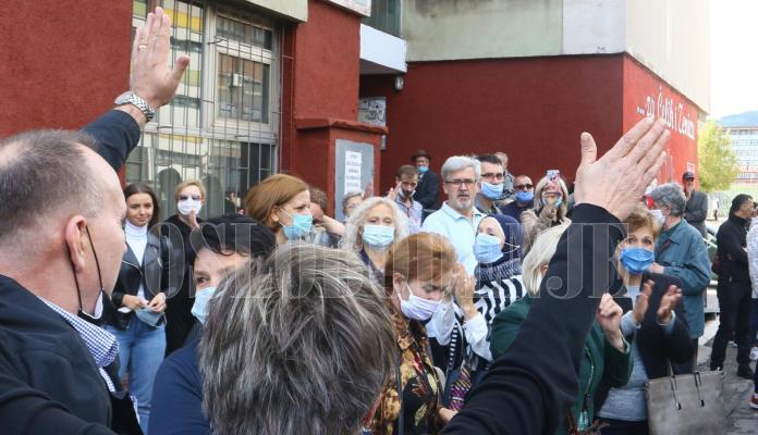 Komšije ponovo spriječile deložaciju Zeničanina Selimagića