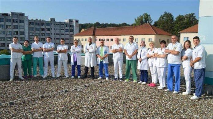 Ljekari iz Tuzle prvi u BiH budnim pacijentima operisali srce i izbjegli upotrebu respiratora