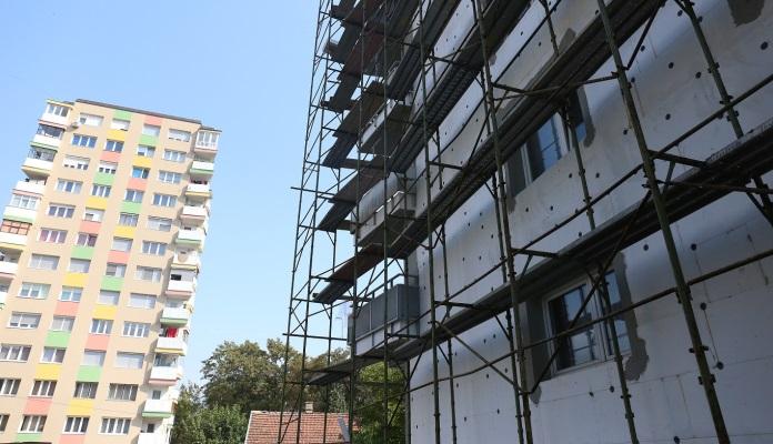 Nastavljeno utopljavanje stambenih objekata i zamjena azbestnih krovova u Zenici
