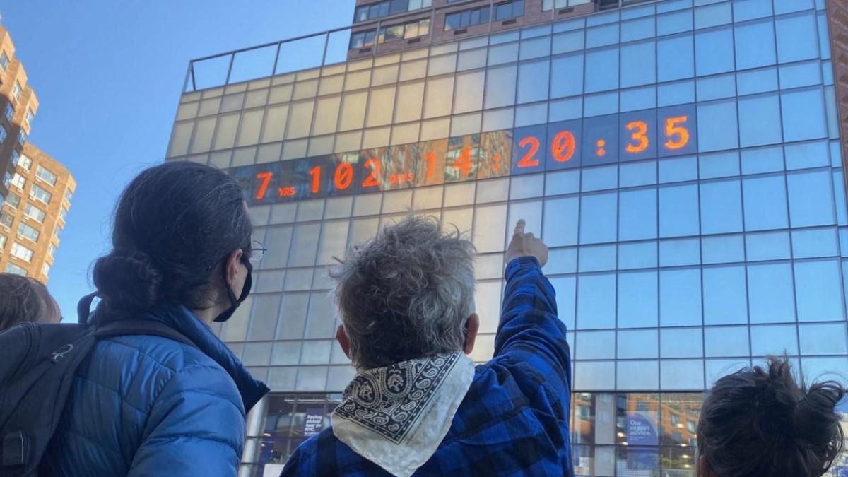 U New Yorku se pojavio sat koji otkucava vrijeme do katastrofe
