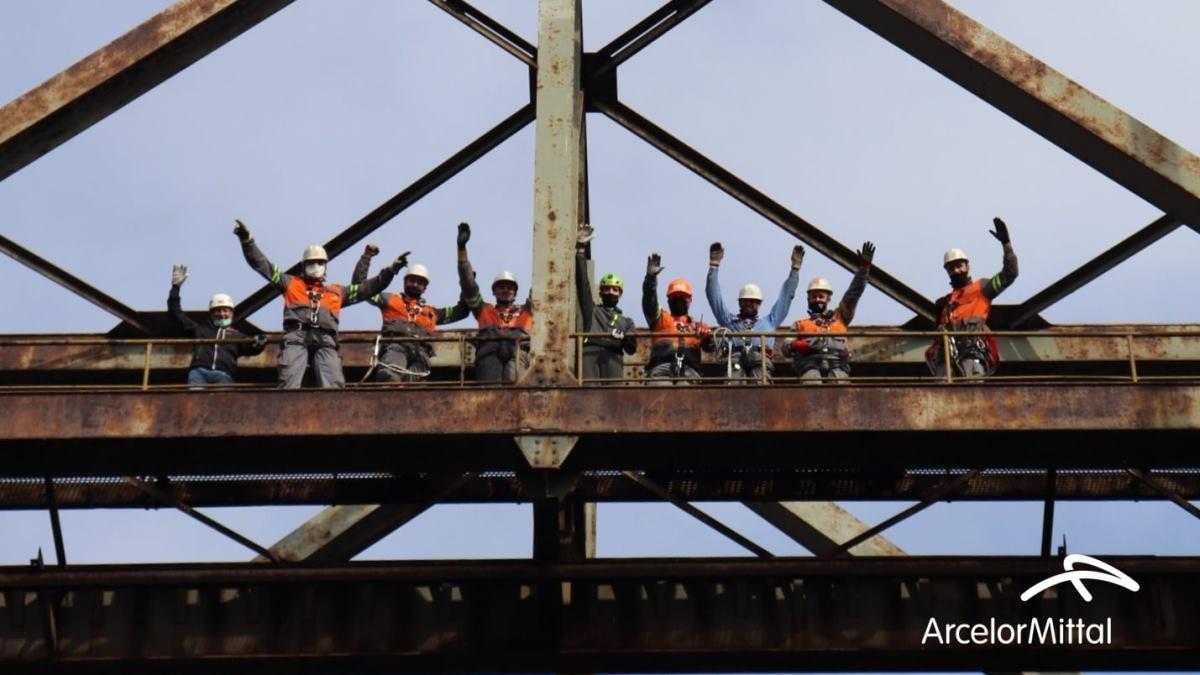 Obavljena obuka za spašavanje sa visina i dubina u ArcelorMittalu Zenica (FOTO)