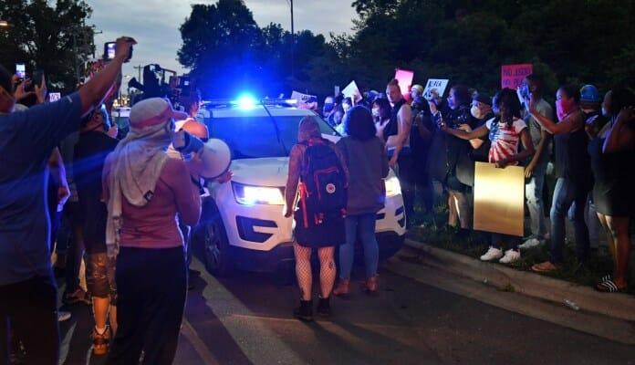 Policija I Demonstranti SAD