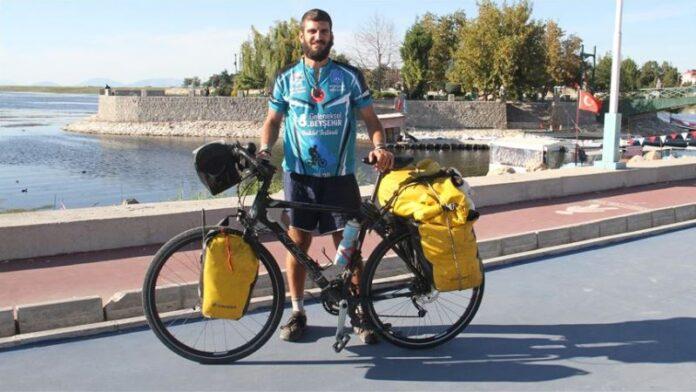 Španski profesor biciklom na putu oko svijeta: Planira posjetiti i balkanske zemlje