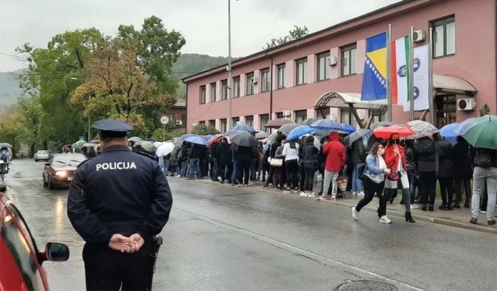 Zenički studenti održali proteste i tražili ispunjenje tri zahtjeva