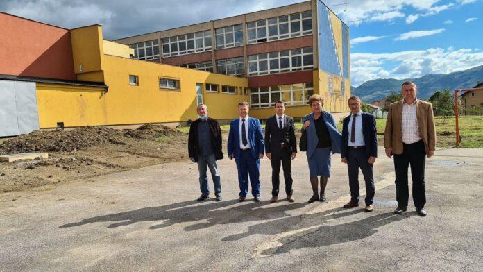Vlada ZDK podržala projekat rekonstrukcije igrališta škole u Peharama
