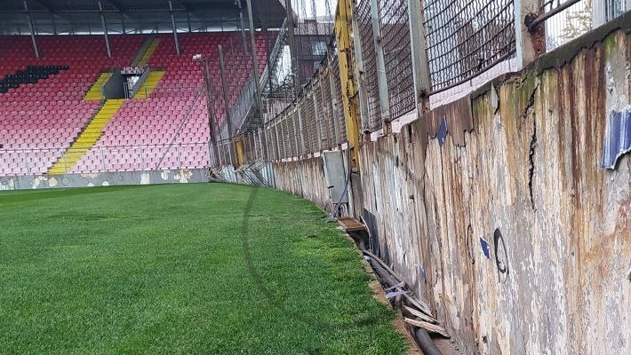 NS BiH u Zenici ostavio dugove, skidanjem reklama uništili imovinu NK Čelik (FOTO)