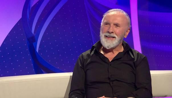 Dino Merlin: Premalo je dana da bi čovjek sjedio i pušio nargile