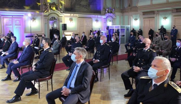 Obilježena jubilarna 15. godišnjica Oružanih snaga BiH (FOTO)
