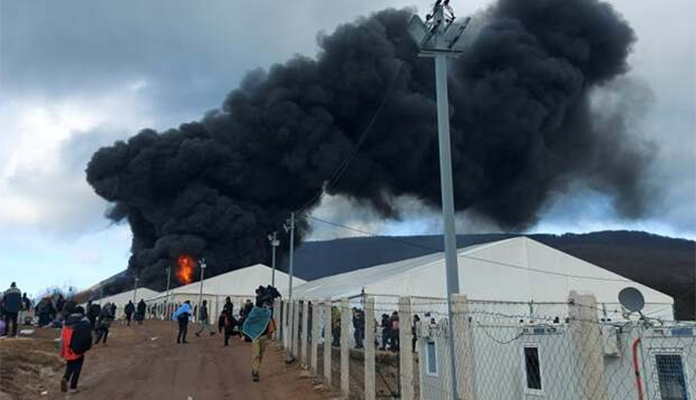 Haotična situacija u kampu Lipa, migranti pale šatore i psuju državu BiH