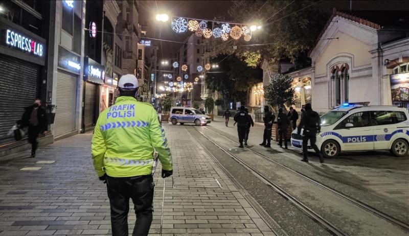 Policijski sat u Istanbulu: Prazne ulice u jednom od najmnogoljudnijih gradova svijeta