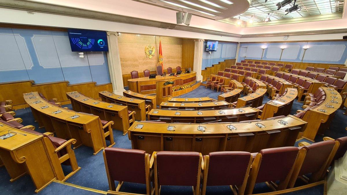 Poslanici Skupštine Crne Gore odbili raspravu o genocidu u Srebrenici