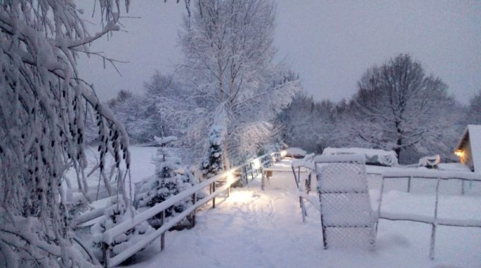 Na zeničkim brdima jutros osvanuo snijeg, u BiH otežan saobraćaj