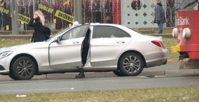 Žena blokirala saobraćaj u Sarajevu jer je otišla u kupovinu