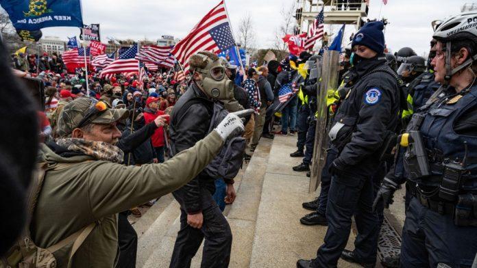 """Trumpove pristaše prijete: """"Upast ćemo u vladine zgrade i ubiti policajce i agente"""""""