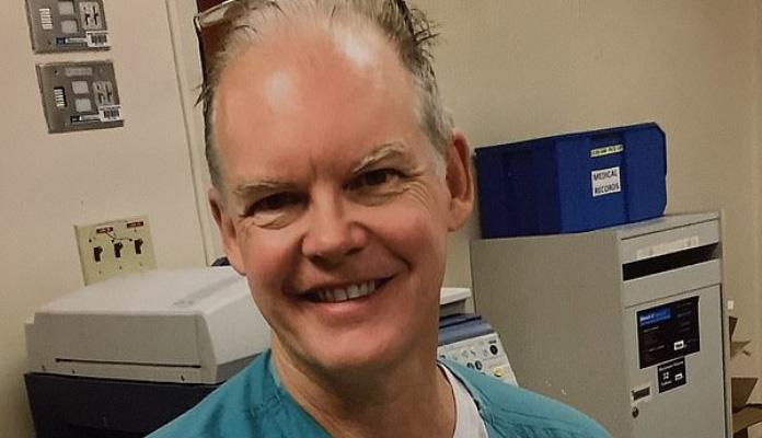 Ljekar preminuo dvije sedmice nakon vakcinacije protiv COVID-19?