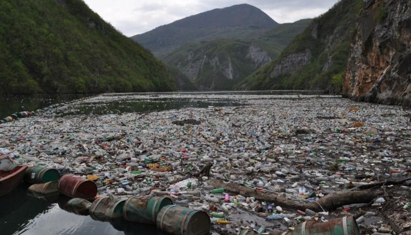 Na branu Hidroelektrane Višegrad stigle 4 hiljade kubika otpada