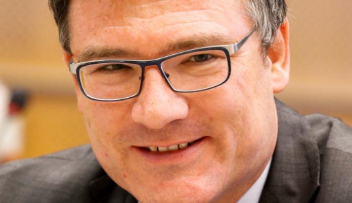 Njemački poslanik se izvinio nakon što je čestitao neustavni dan RS, uplatit će i novac za Srebrenicu