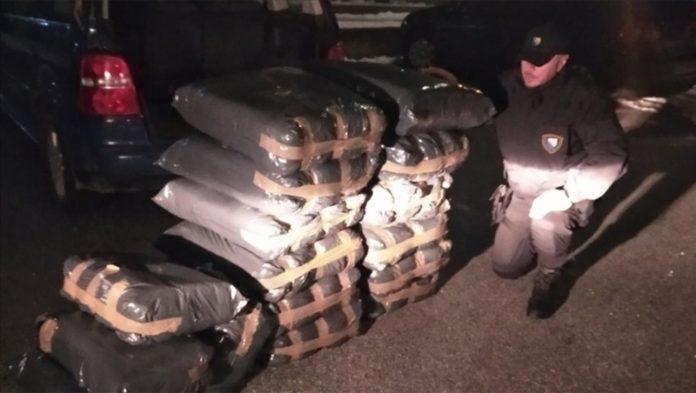 Na putu Sarajevo - Konjic zaplijenjeno 280 kilograma duhana za crno tržište