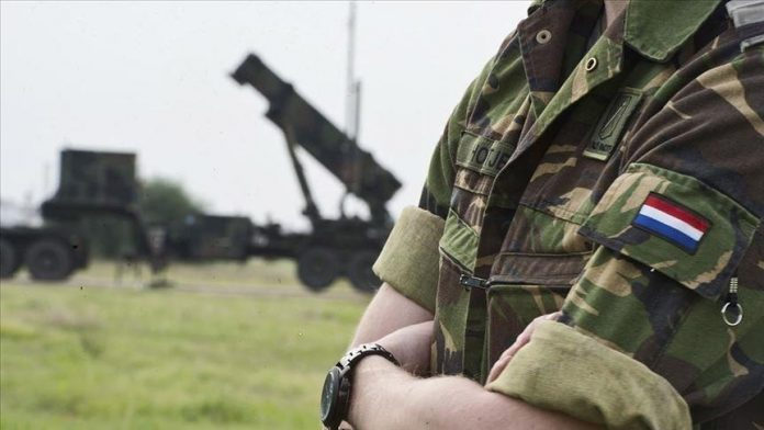 Vojnik Holandija
