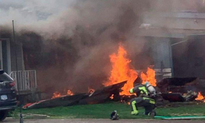 Avion pao na kuću, poginula jedna osoba