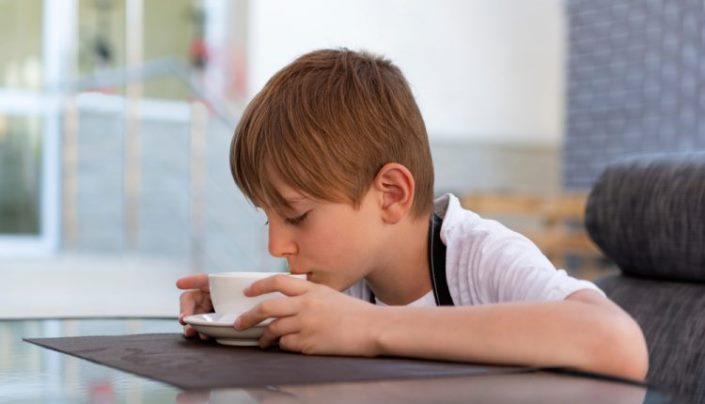 Da li kafa zaista može zaustaviti rast djece?