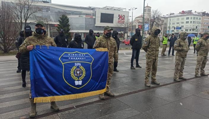 Održan protest zaposlenih u institucijama BiH