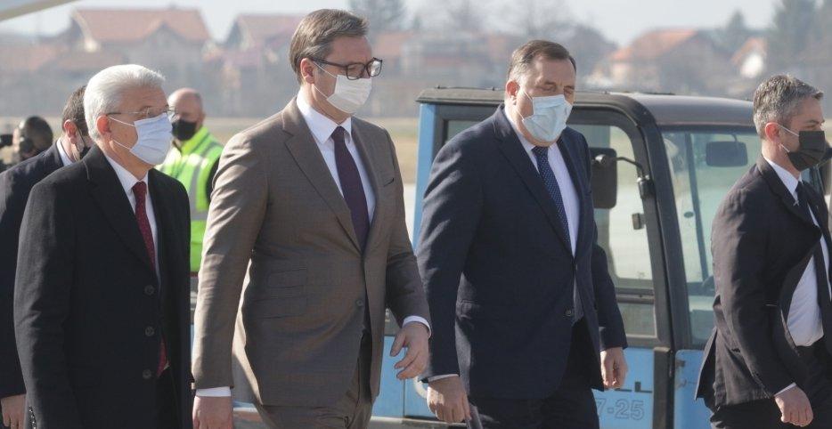 Predsjednik Srbije uručio vakcine za potrebe Federacije BiH