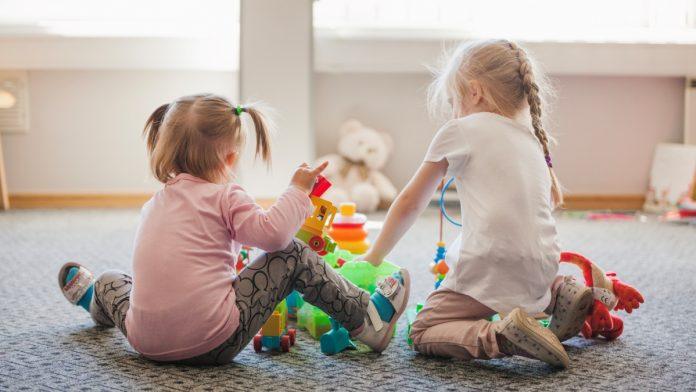 Saopštenje za javne i privatne predškolske ustanove ZE-DO kantona zbog ograničenja broja djece u grupama
