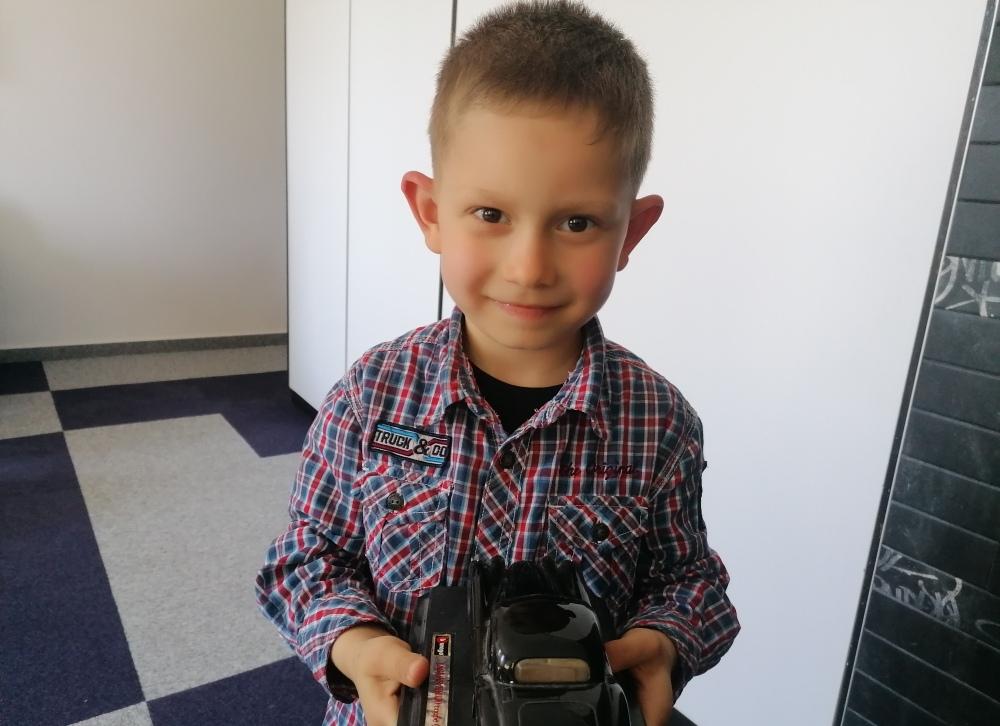 Pomozimo gluhonijemom dječaku Adnanu Ališanu