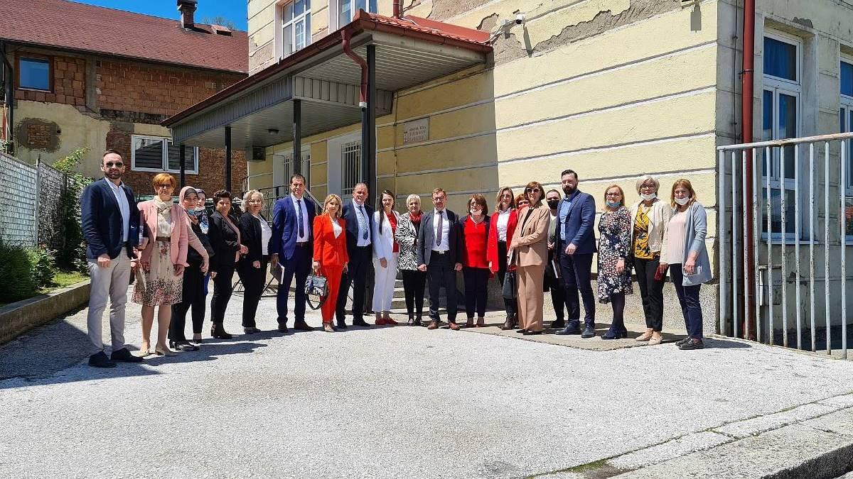 Ozvaničen početak realizacije projekta energetske efikasnosti u školama u ZDK (FOTO)