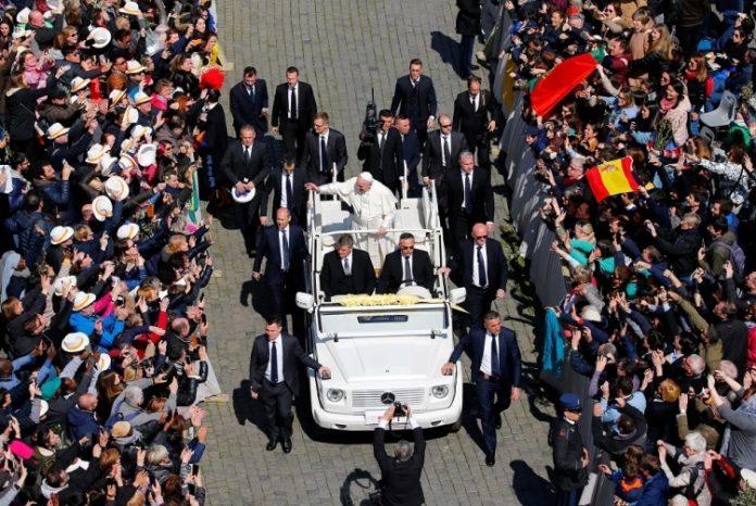 Reuters Papa Franjo