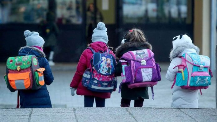 Djeca Ucenici Skola Nastava 305491