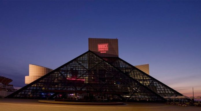 Rock And Roll Hall Of Fame 898933 1920 750x416 1
