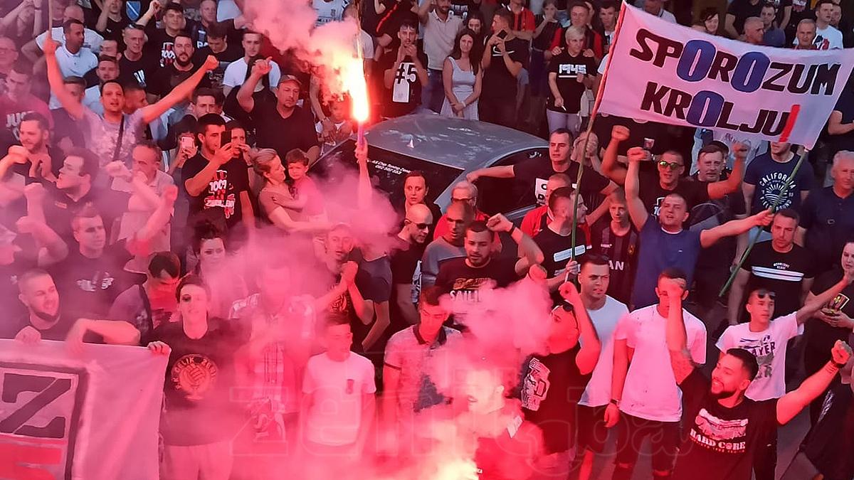 Završeni protesti Robijaša: Zenicom odzvanjalo NE DAMO ČELIK (VIDEO+FOTO)