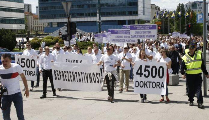 Protesti Doktora