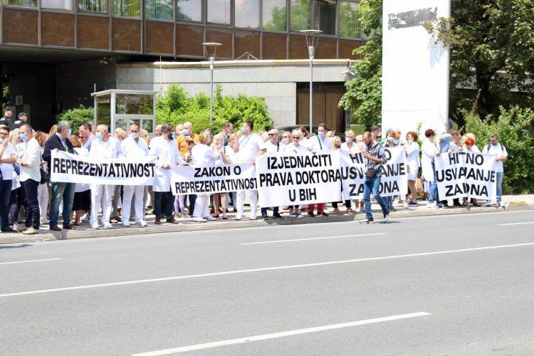 Sindikat doktora medicine i stomatologije FBiH odgodio najavljeni protest