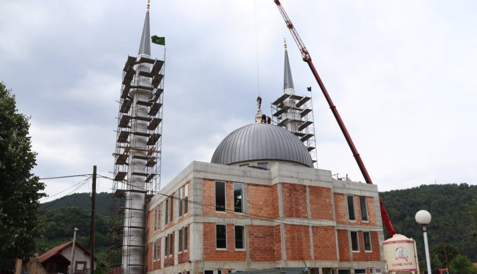 Muftija zenički posjetio džemat Nemila (FOTO)