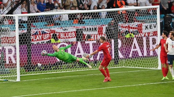 Engleska pobijedila Dansku nakon produžetaka za finale EURA