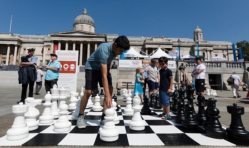 Engleska ukinula gotovo sve mjere uprkos rastu broja zaraženih