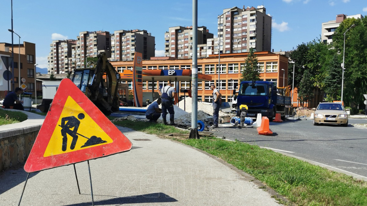 Počela rekonstrukcija kružnog toka Mokušnice (FOTO)