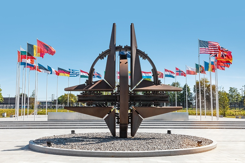 NATO: Ostajemo predani partnerstvu sa BiH, poricanje genocida je neprihvatljivo