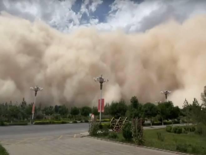 Pješčana apokalipsa u Kini (VIDEO)