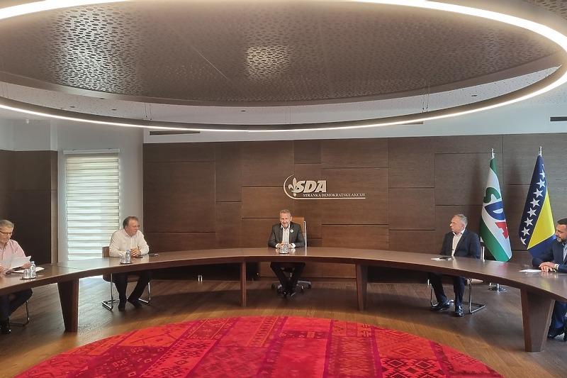 Delegacije SDA i SDP-a razgovarale o racionalizaciji Federacije BiH, što znači i ukidanje kantonalnih skupština i vlada